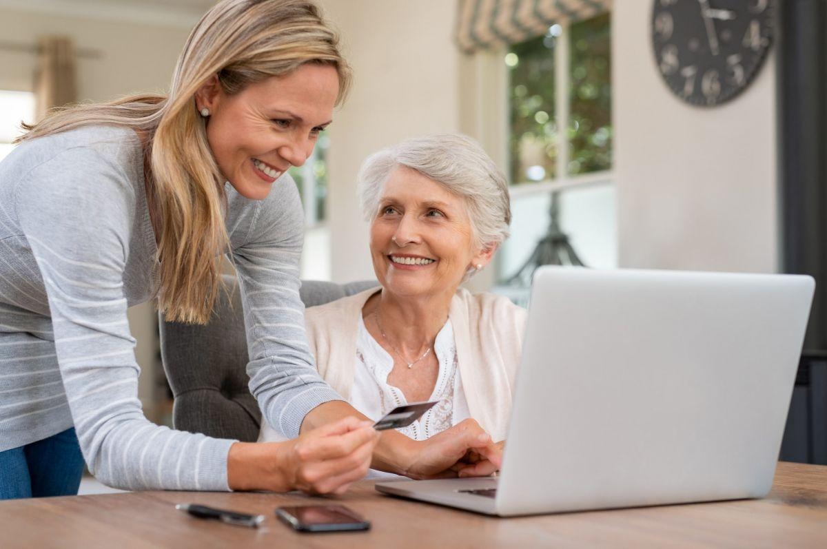 elderly-at-computer